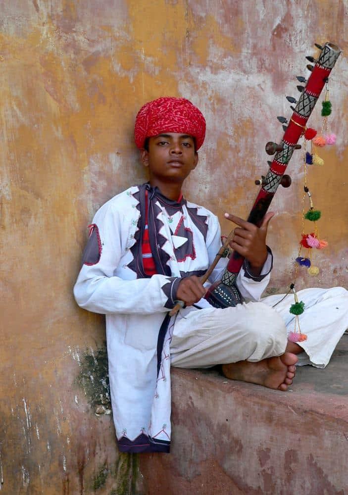 nino-sitar-india