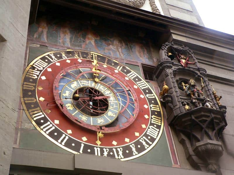 torre-reloj-berna-suiza
