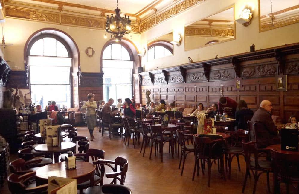 Interior de Café Casino