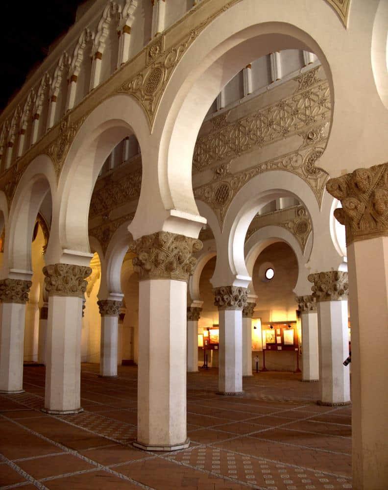 sinagoga-santa-maria-la-blanca-toledo-espana