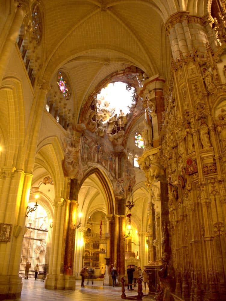 transparente-catedral-toledo-espana