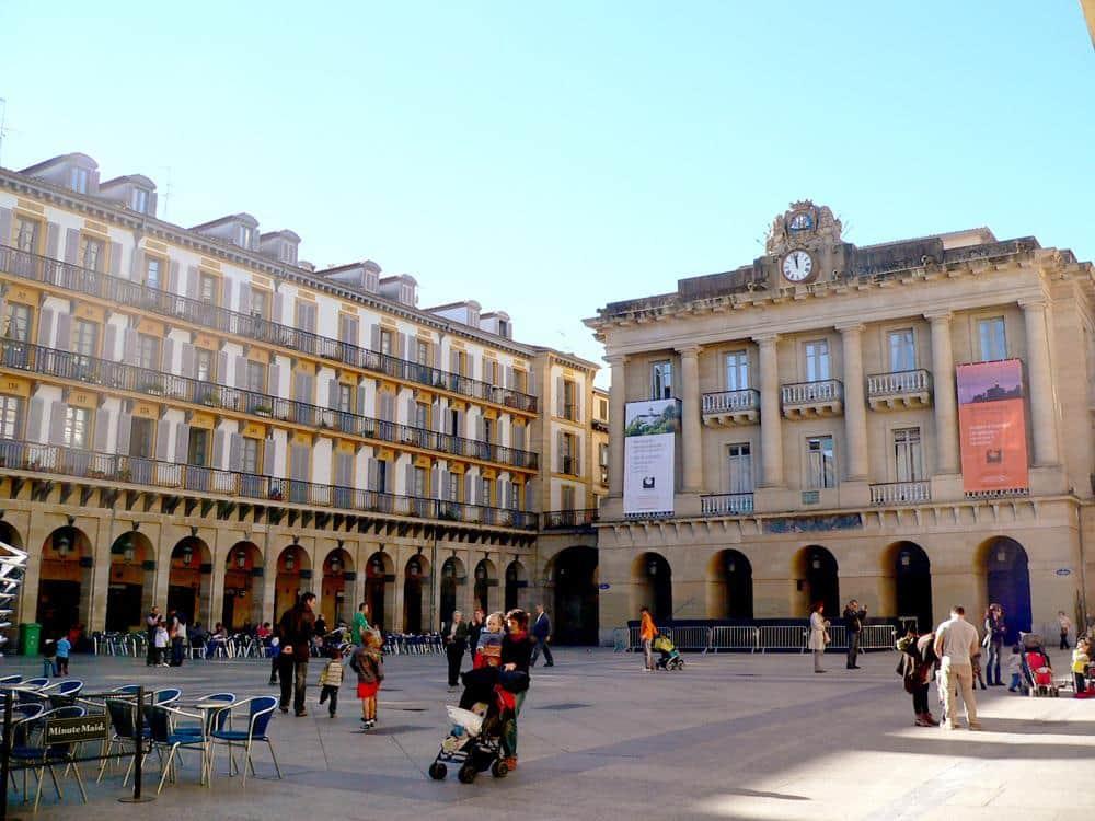 plaza-constitutucion-donostia-espana