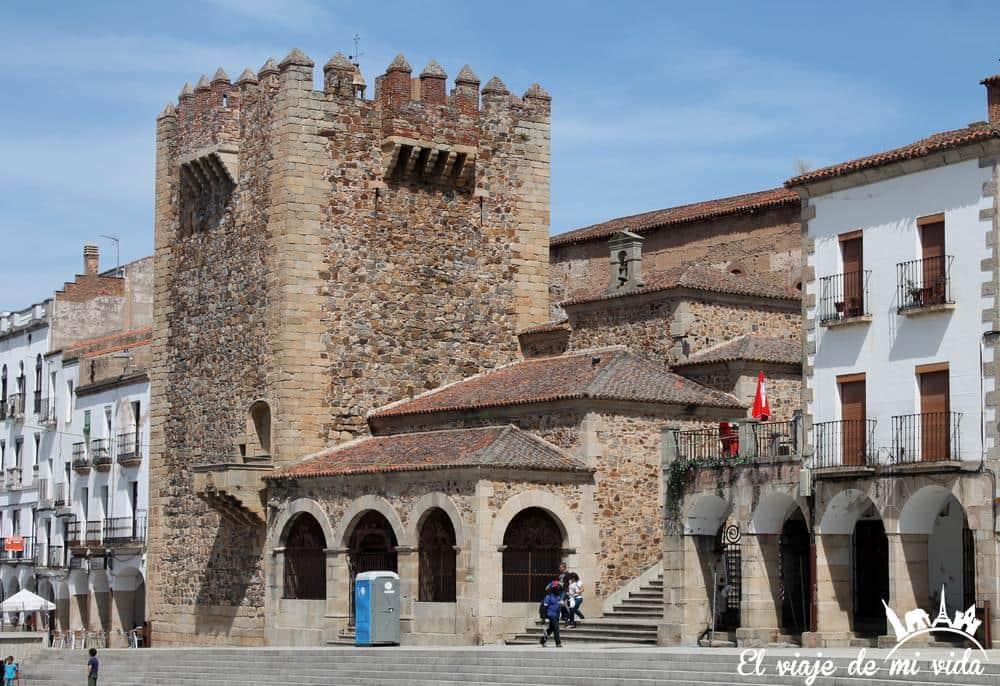 plaza-mayor-caceres-espana