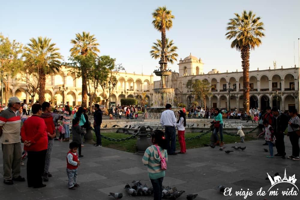 plaza-armas-arequipa-peru