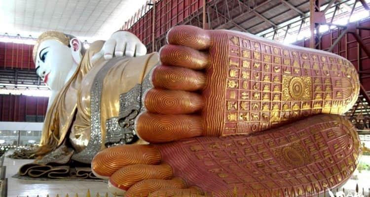 Buda acostado de Rangún en Myanmar