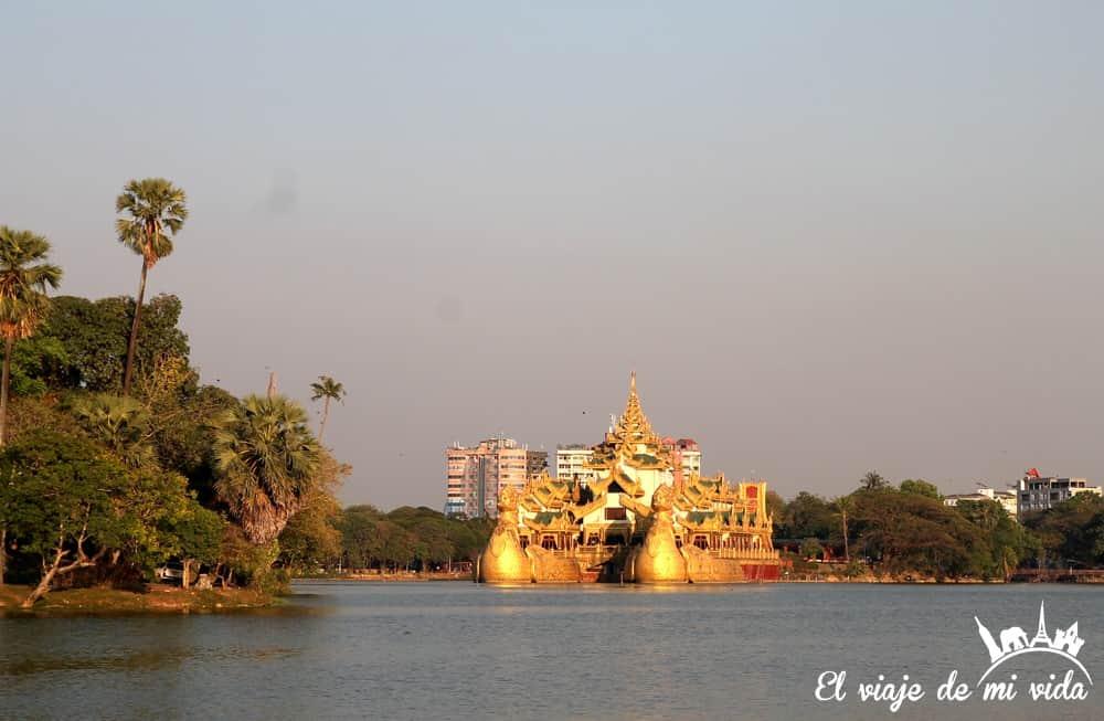 barco-imperial- karaweik-rangun-myanmar