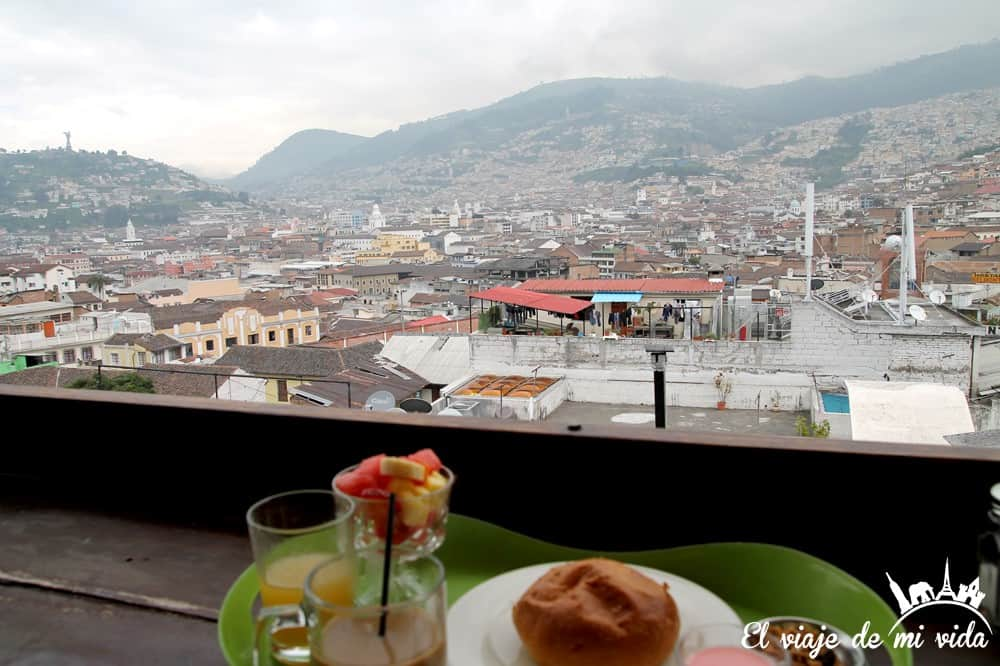 Vistas de Quito desde el hostel Secret Garden